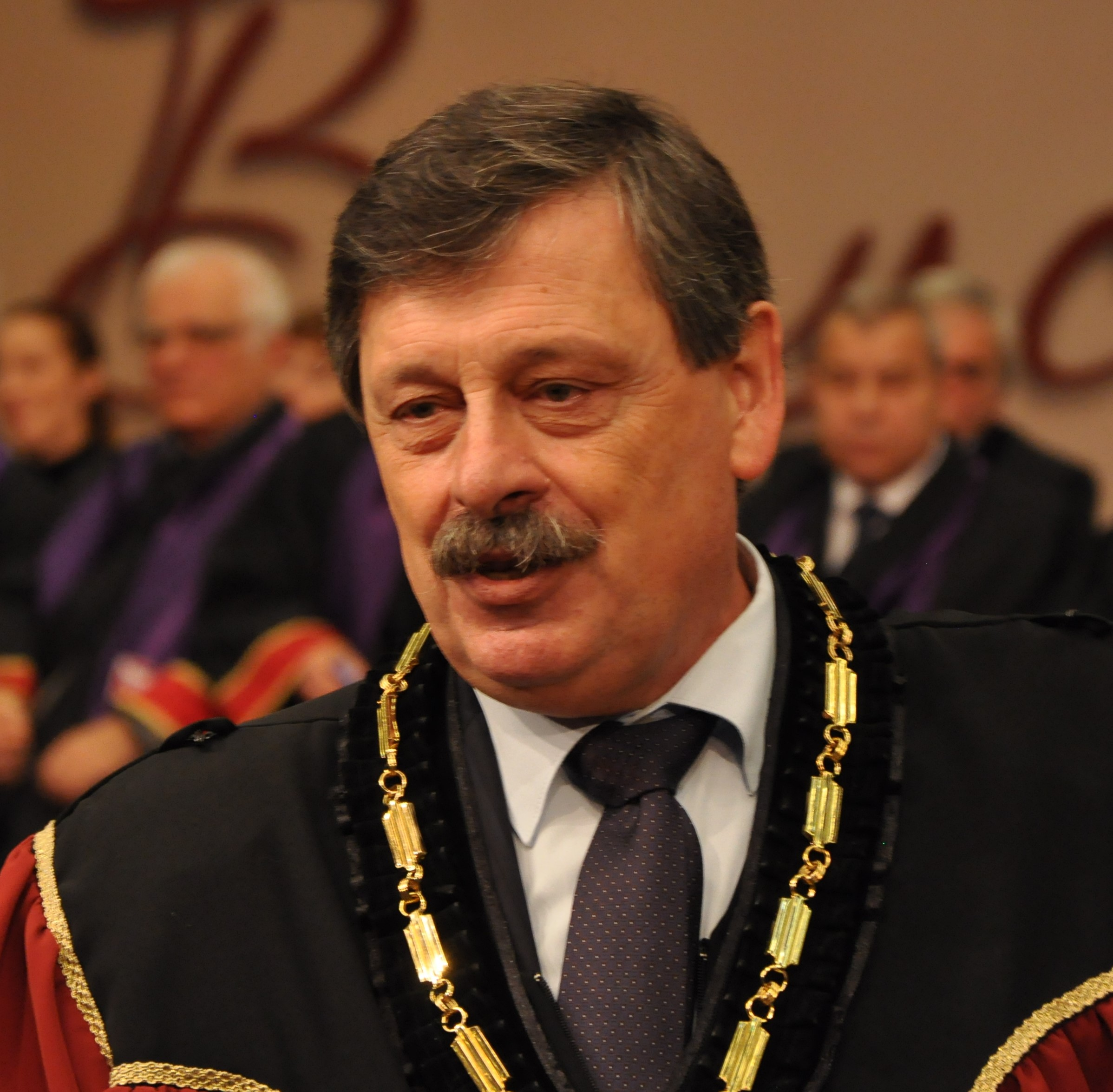 проф. д-р Руслан Пенчев