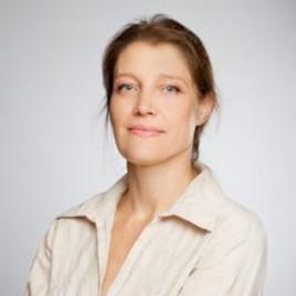Адриана Попова